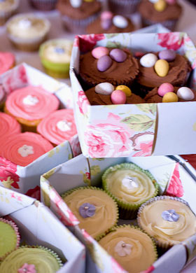 cupcakes in homemade boxes