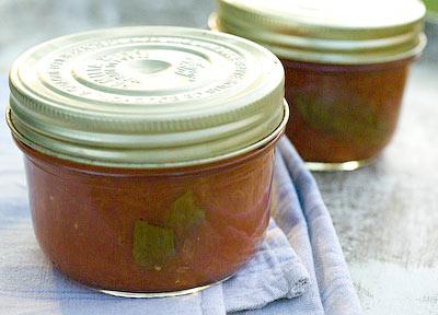 bottled tomato sauce