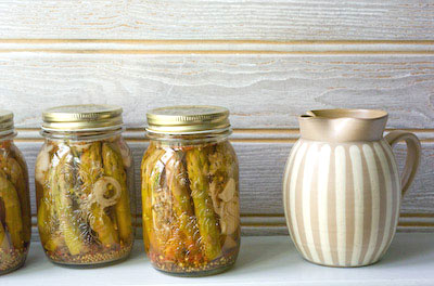 jars of pickled asparagus